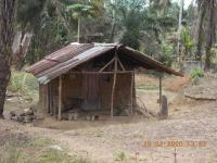 ... es gibt noch viel ärmere Hütten in Liberia!