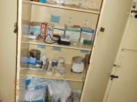 schwesternschrank-im-bmc-krankenhaus-eine-einzige-blutdruckmanschette