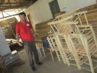 Die Güter für die Clinicen werden sicher zwischengelagert auf ihrem Weg in den Busch