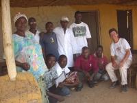 Mit unserem Team freiwilliger Helfer in Mawah