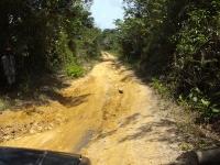 Schon in der Trockenzeit ist die Strasse nach Yarbayah miserabel