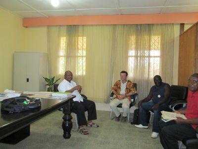 Ganz links der katholische Bischof von Liberia