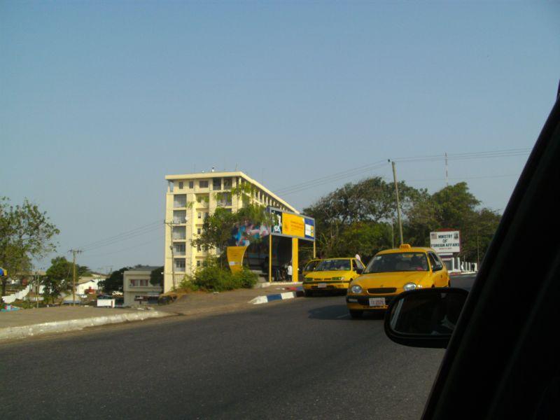 Taxis vor dem Außenministerium